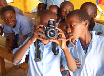 DGS children with the camera