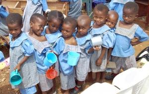 DGS Children queuing for water - December 2010